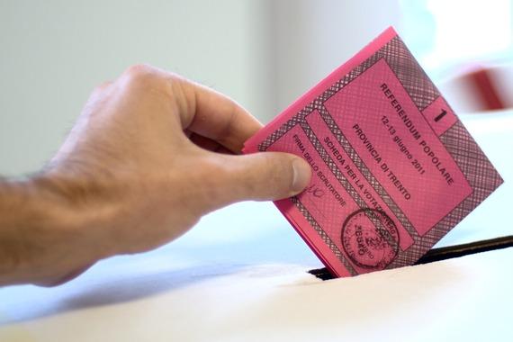 2016-11-21-1479753291-1183275-2011_Italian_referendums.jpg