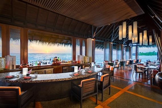 2016-11-22-1479828266-6954326-reethi_rah_maldives_dining.jpg