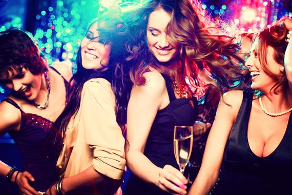 2016-11-23-1479917952-3002475-girlsclubbing.jpg