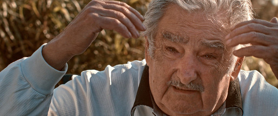 2016-11-23-1479938009-4461619-Mujicafrgilequilibrio.jpg