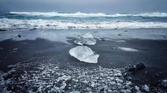 2016-11-27-1480278706-6326861-icelandroadtripglacialbeach.jpg