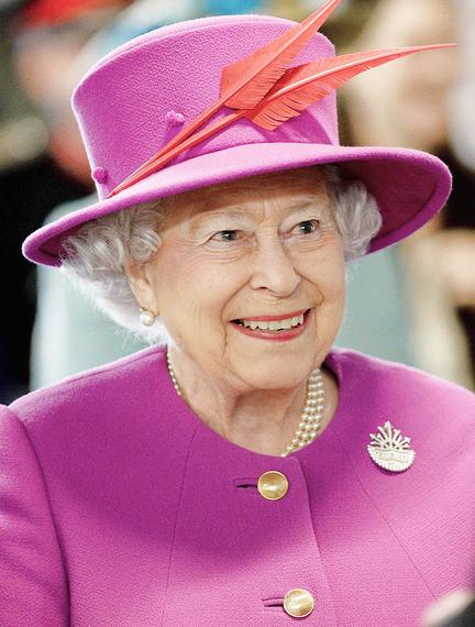 2016-11-28-1480352486-4301856-Queen_Elizabeth_II_March_2015.jpg