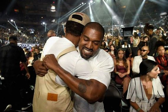 2016-11-28-1480368972-1267559-12094790_kanyewestjoinschancetherapperonstage_9b8fe48c_m.jpg