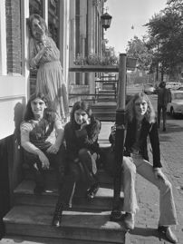 2016-11-28-1480372942-382299-The_Incredible_String_Band_1970.jpg