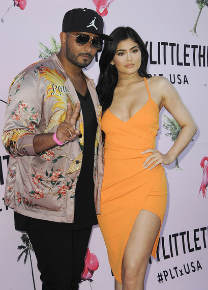 2016-11-30-1480470015-7940262-Umar_Kamani_and_Kylie_Jenner_at_the_launch_of_PrettyLittleThings_USA_flagship_store_2016.jpg