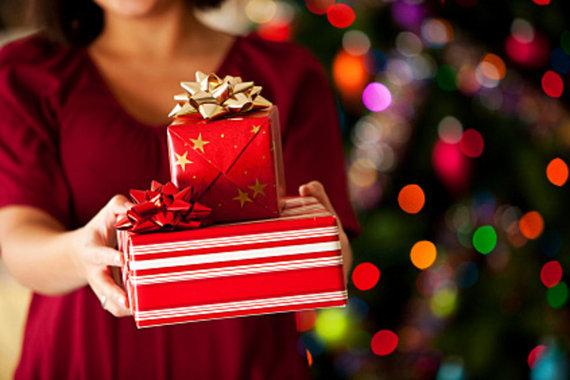 2016-12-01-1480620020-8362575-holidayshopping2.jpg
