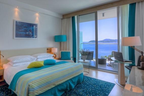 2016-12-04-1480853479-1813706-DubrovnikSunGardensClubRoom.jpg