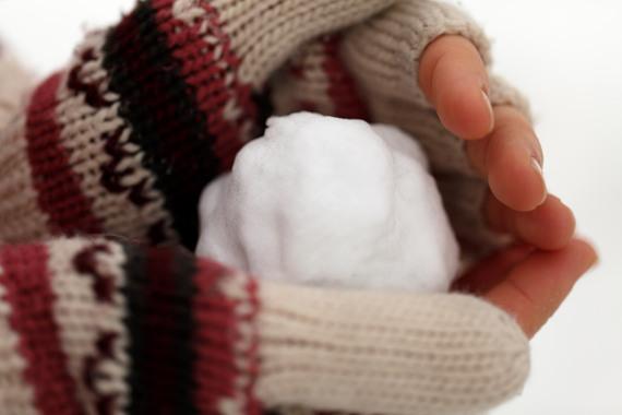 2016-12-05-1480935319-3389192-snowballinhand.jpg