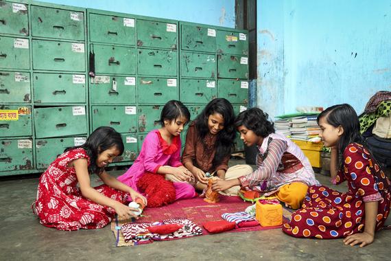 2016-12-07-1481126320-6072738-Bangladesh3.jpg