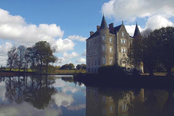 2016-12-07-1481145426-8644558-Chateau.jpg
