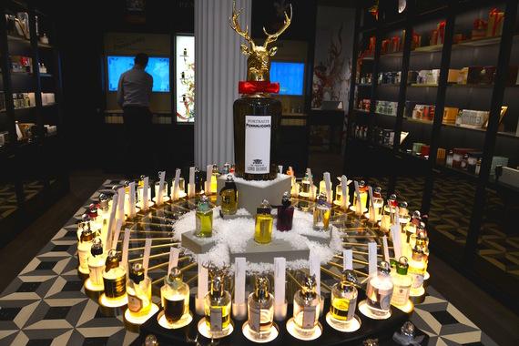 2016-12-08-1481235957-1273617-Parfums.jpg