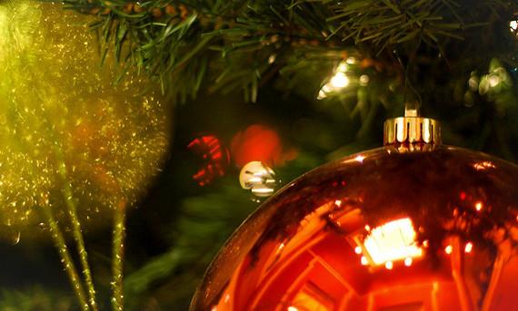 2016-12-14-1481716191-4628501-Ornaments2.jpg