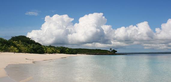 2016-12-14-1481751923-6986299-Isla_iguana_beachpedasipanama.jpg