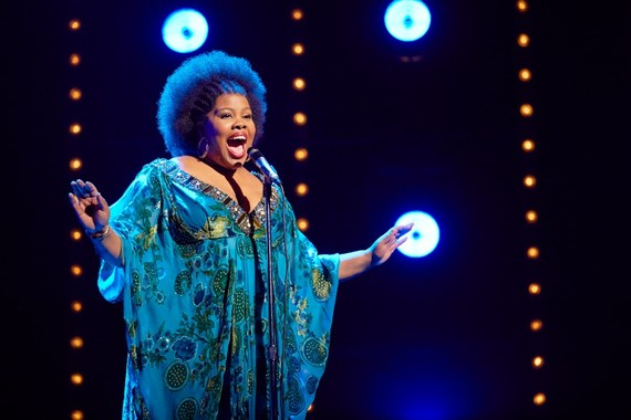 2016-12-14-1481758078-2811821-DreamGirls_London_WestEnd_3.jpg
