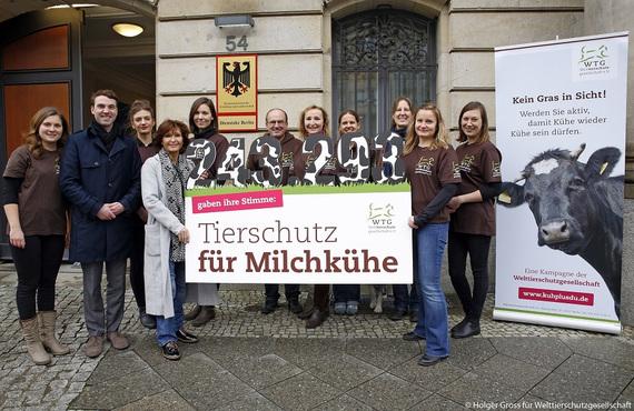 2016-12-15-1481795304-8334191-petitionmilchkuhwtgteambmel_fisch.jpg