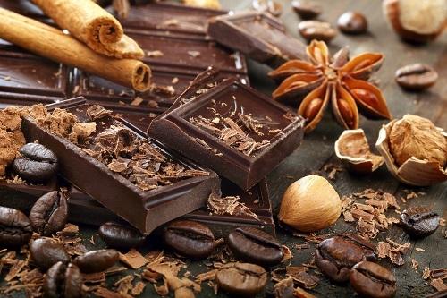 2016-12-15-1481818629-5499963-Meganchocolate.jpg