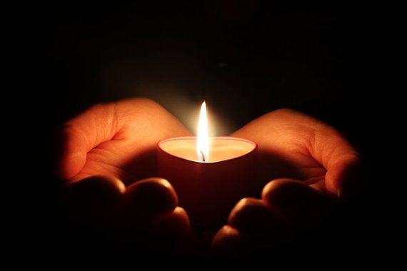 2016-12-17-1481955689-3552646-candle.jpg