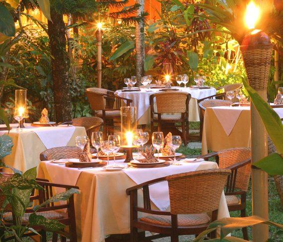 2016-12-20-1482210108-6578325-mozaicrestaurantsgardend1.jpg