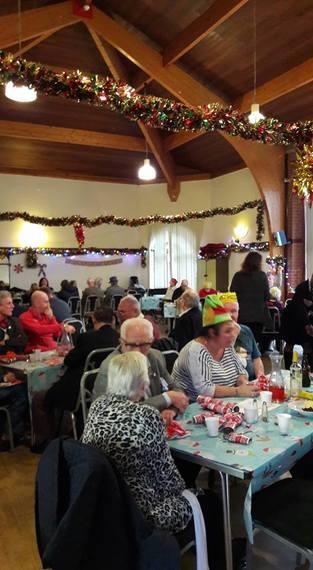 2016-12-22-1482423278-4280363-Christmasdinnerforresidentsandcommunity.jpg