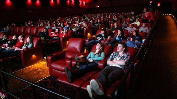 2016-12-22-1482437103-581268-MovieTheaterinside.jpg