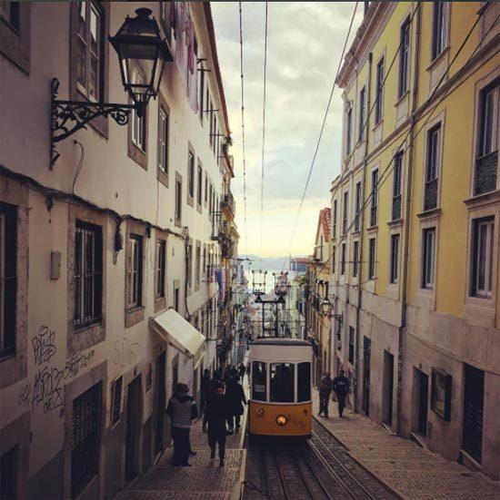 2017-01-07-1483801654-1942593-HP_Lisbontram.jpg