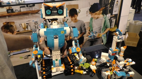 LEGO Boost First Look, A Robotic Kit With An Emphasis on