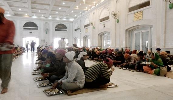 2017-01-11-1484170766-3767603-GurudwaraBanglaSahibSikhTempleDelhi.jpg