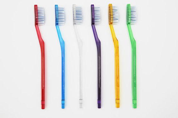 2017-01-12-1484222986-4627116-toothbrush.jpg