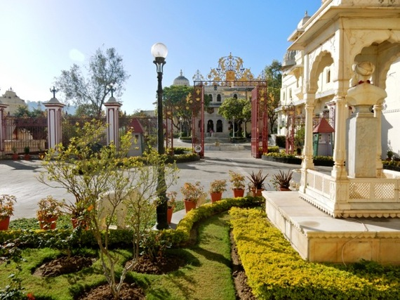 2017-01-13-1484310343-7184187-CityPalaceUdaipurIndia.jpg
