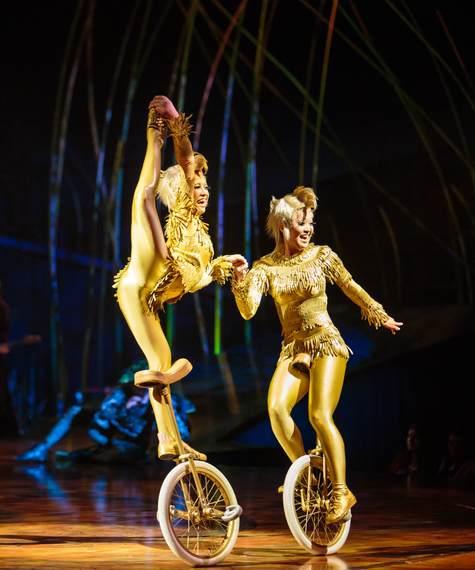 2017-01-16-1484582624-6449562-unicyclistsCirqueduSoleil.jpg