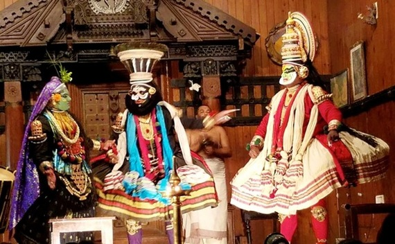 2017-01-16-1484597217-8653804-KeralaKathakalipresentation.jpg