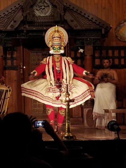2017-01-16-1484598516-8040858-KeralaKathakalipresentation2.jpg
