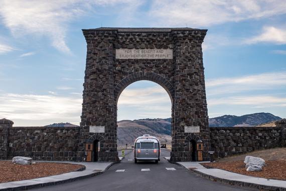 2017-01-18-1484772109-4445838-YellowstoneNationalPark002.jpg