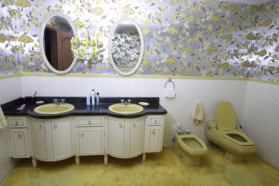 Bring Hotel Style To Your Bathroom Vanity|Colin & Justin