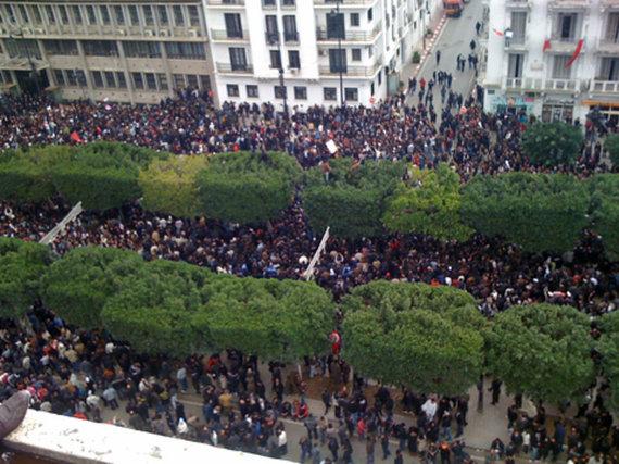 2017-01-28-1485641192-4150247-ArabSpring3Tunisia_Unrest__VOA__Tunis_14_Jan_2011_2.jpg