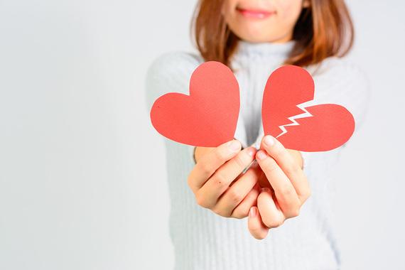 2017-02-01-1485953428-2984663-Surviving_Valentines_Day.jpg