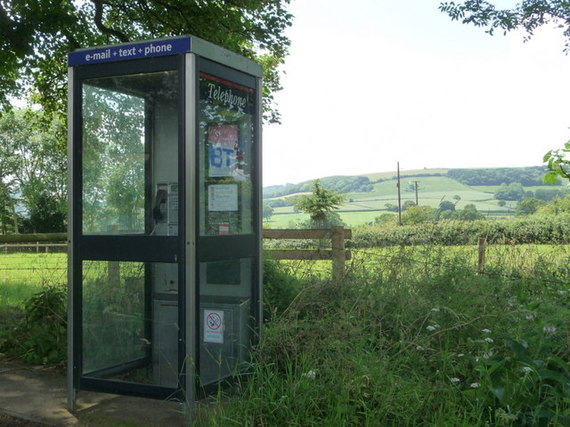 2017-02-06-1486390052-3950657-Ansty_telephone_box_at_Higher_Ansty__geograph.org.uk__1374697.jpg