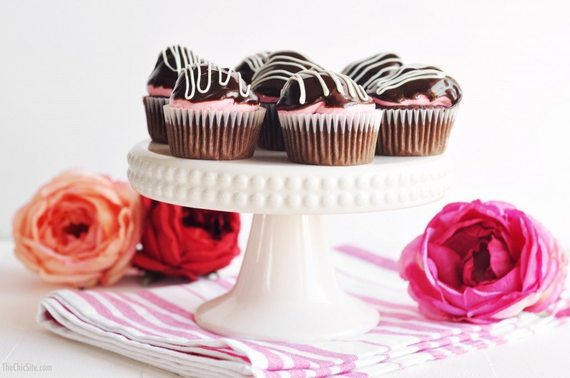 2017-02-14-1487094108-7214414-chocolateandstrawberrycupcakes1024x680.jpg