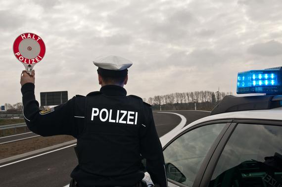 2017-04-03-1491204716-909018-Bild_Polizeikontrolle.jpg