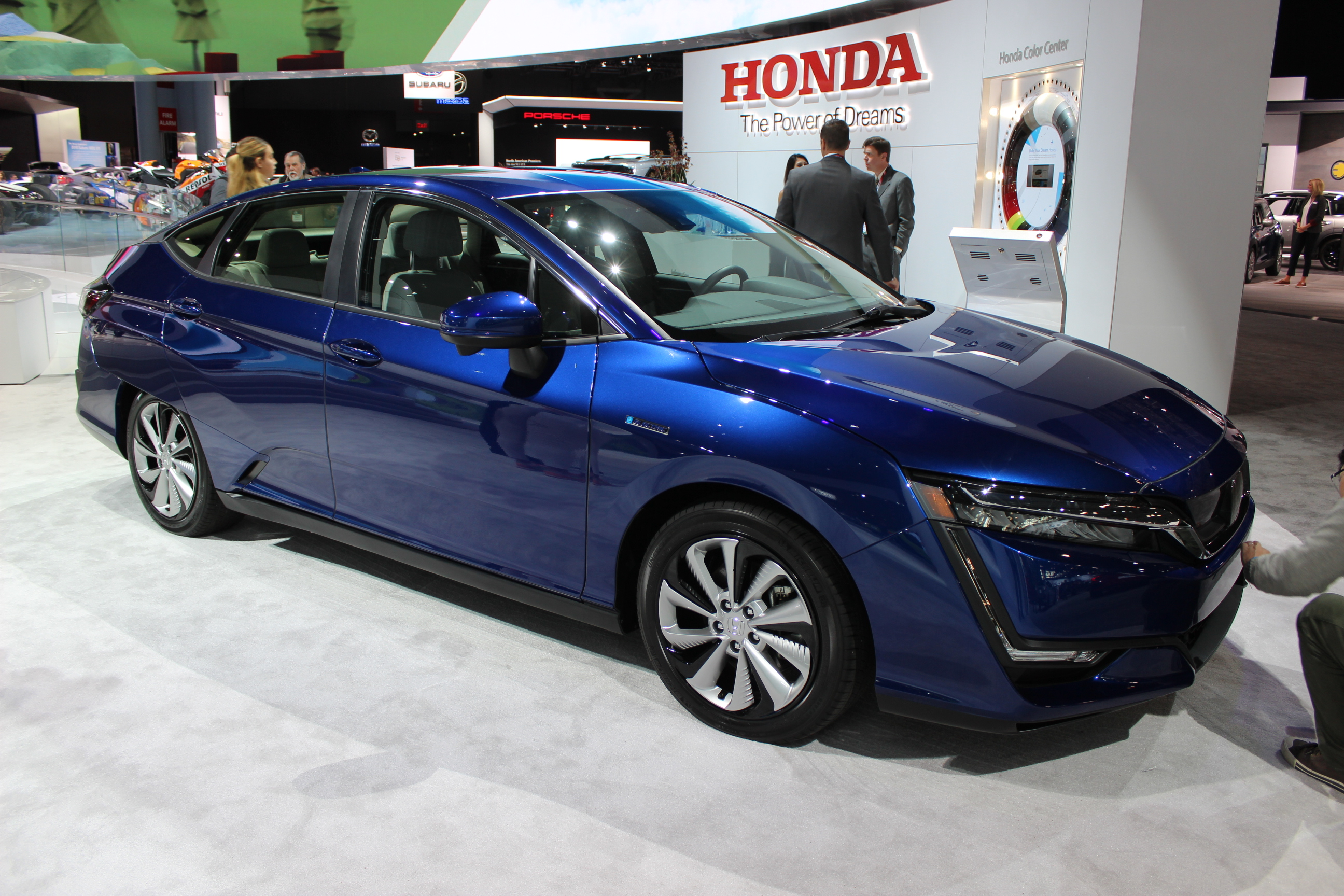 honda clarity une nouvelle voiture lectrique sign e honda. Black Bedroom Furniture Sets. Home Design Ideas