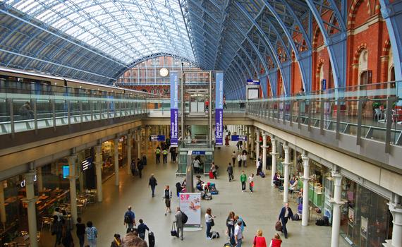 2017-04-18-1492510424-6847440-St_Pancras_railway_station_London.JPG
