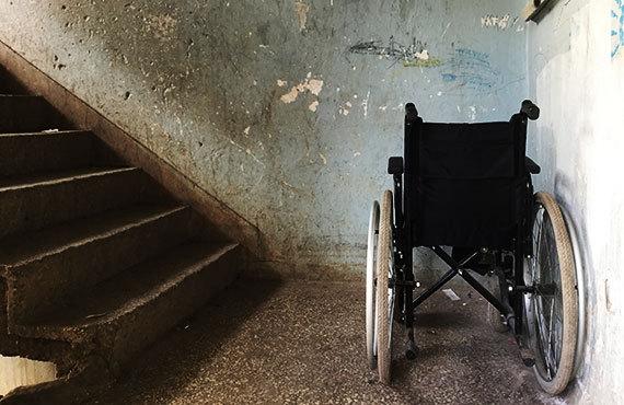 2017-06-02-1496383446-1186285-huff_20170602_wheelchair.jpg