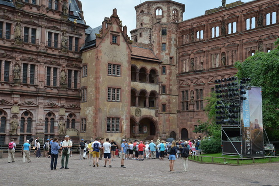 2017-06-09-1497015151-2175378-Schlosshof.JPG