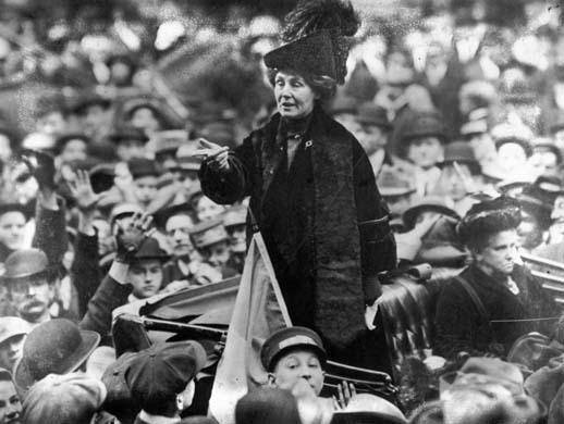2017-06-15-1497537508-4798303-Emmeline_Pankhurst_adresses_crowd.jpg