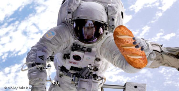 国際宇宙ステーションでパン解禁...