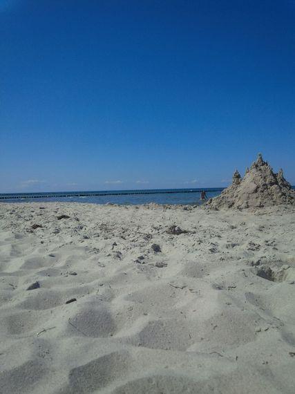2017-07-28-1501247375-4629912-Sand_Tanja.jpg