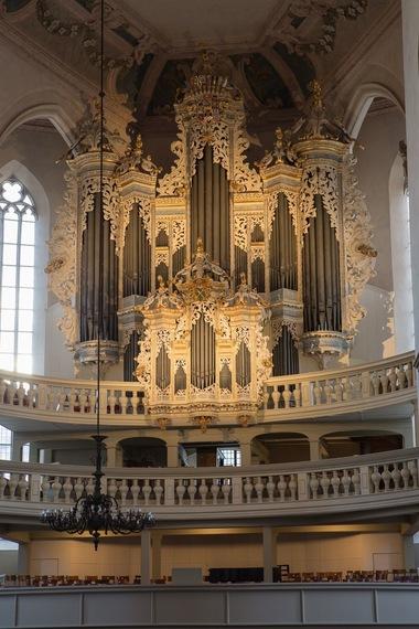 2017-07-31-1501486946-5326795-06_UP_Naumburg_BachorgelHildebrandtOrgel_St.Wenzel_Copyright_SaaleUnstrutTourismus_eV.jpg