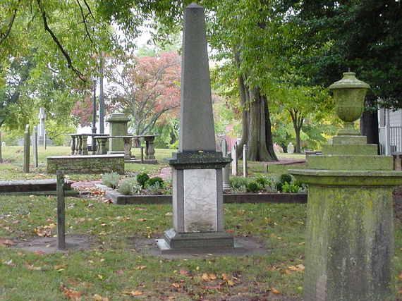 2017-09-03-1504405015-3583783-graveyard03oct09.jpg