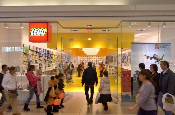 2017-09-08-1504901730-109399-LEGOStoreFairviewMall10.JPG