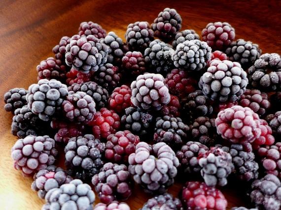 2017-09-11-1505135184-1219555-frozenblackberries2Copy.jpg
